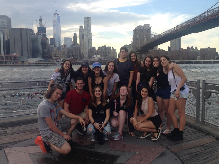group under brooklyn bridge