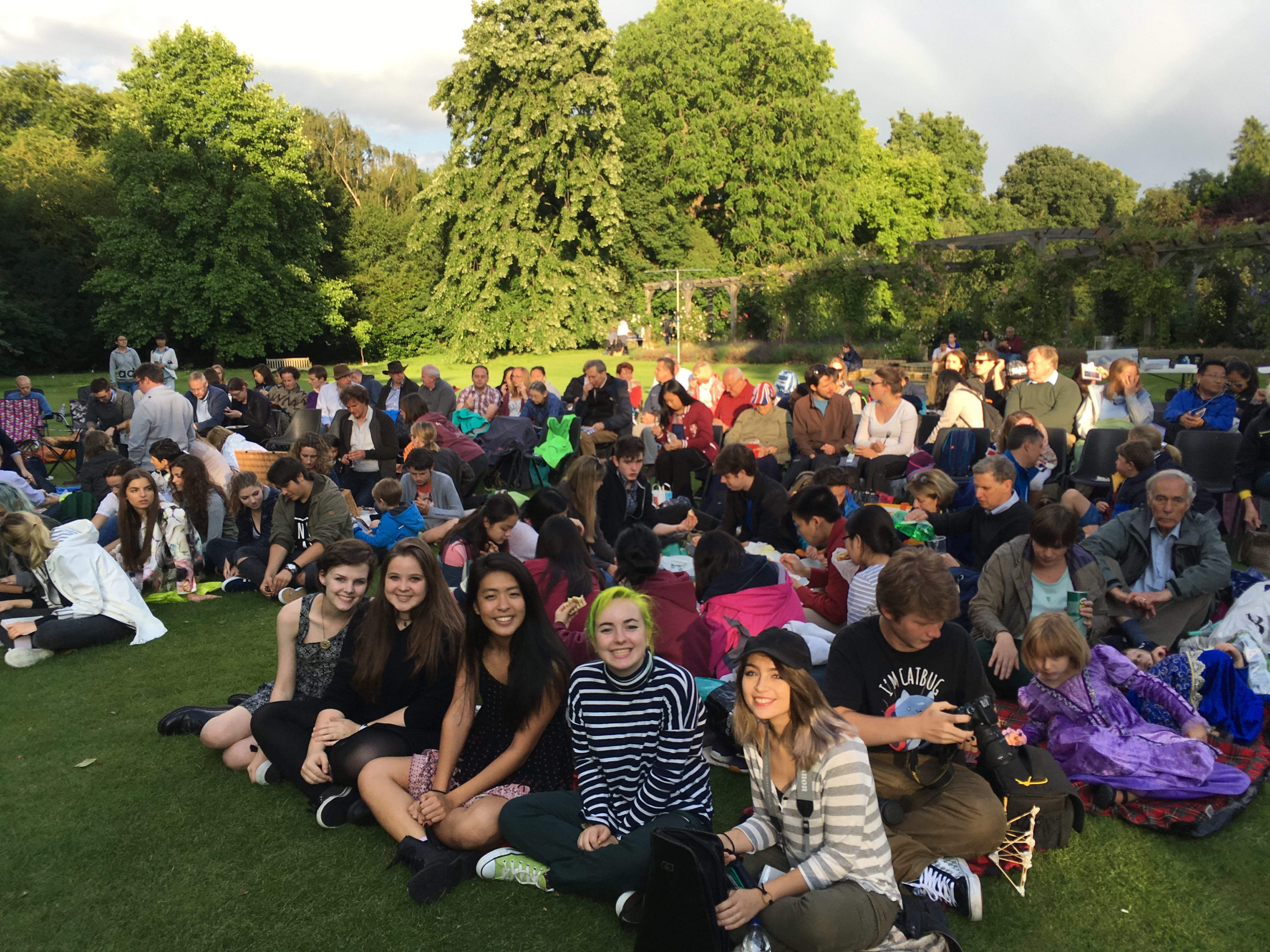 A midsummer night s dream oxbridge academic programs for Academie de cuisine summer camp