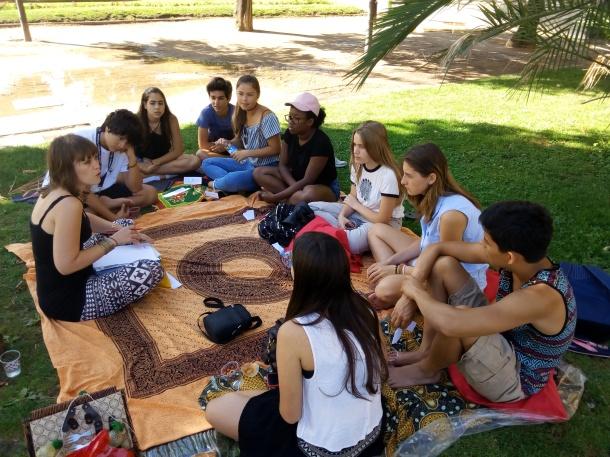 """""""Psychology"""" students at Parc de la Ciutadella"""